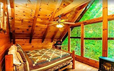 Budget friendly, Affordable Honey Bear Cabin in Gatlinburg,bedroom view
