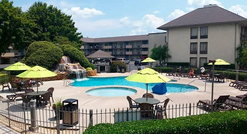 Best Western Plaze Hotel Pigeon forge TN pool view