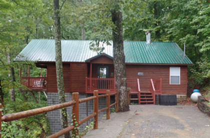 Tiffany Hideaway Pigeon Forge Pet-friendy cabin near Dollywood front view