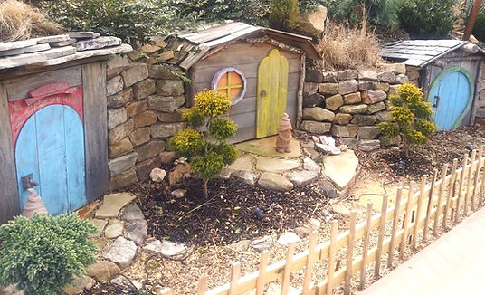 Anakeesta  Gatlinburg, little gnome houses