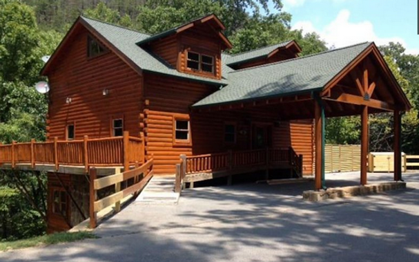 New cabin with Elevator, cabin with elevator in Pigeon Forge