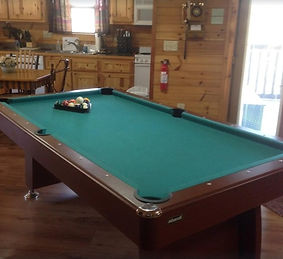 Pigeon Forge wheelchair friendly cabin pool table