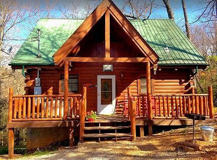 cheap cabins in Gatlinburg- The Rustic Fox cabin exterior view