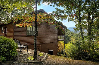 Honeymoon Cabin Rental called Imagine in Pigeon Forge tn, exterior view