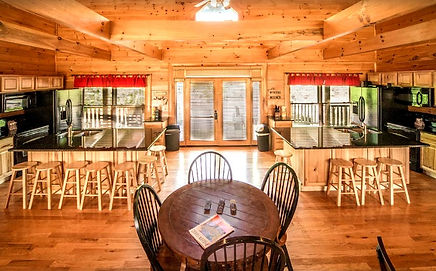 Cabin for Christmas or Thanksgiving holidays in Sevierville, Pigeon Forge and Gatlinburg, 10 Point Buck double kitchen view