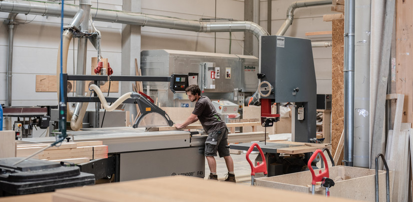 Holz I Bau I Wagen GmbH - Bauen