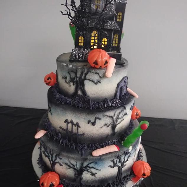Spook House Cake