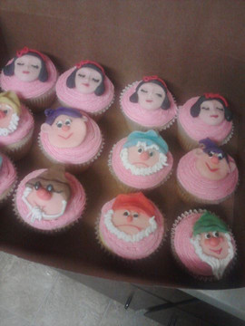 Snow White and the Seven Dwarfs Cupakes