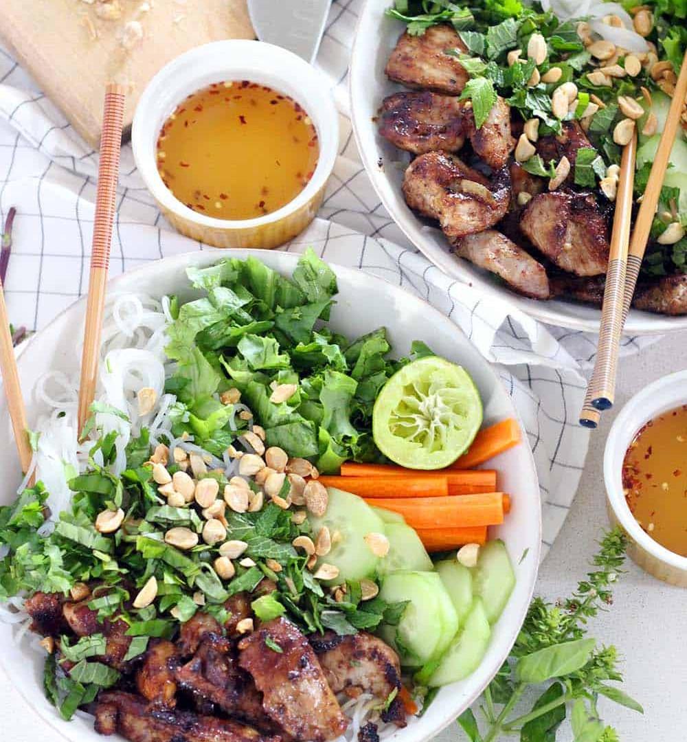 Easy-Vietnamese-Pork-Bun-Bowls-2.jpg