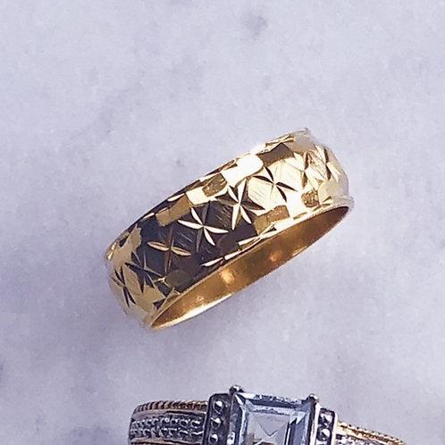 Vintage  Star Engraved Ring