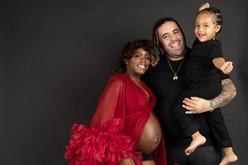 Kerri-FamilyMaternityShoot-Edited-82.jpg