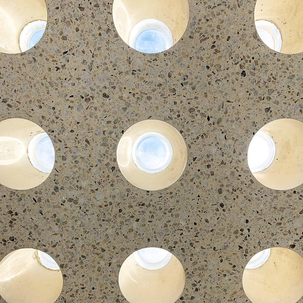 Round obeco glass block pavers precast in concrete
