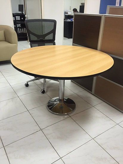 Model 1 - Round Table
