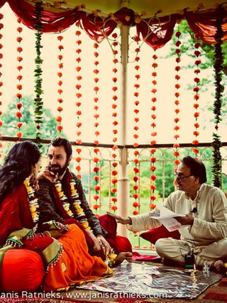 hindu wedding traditions.jpg