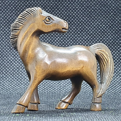 Boxwood netsuke - Horse looking backwards