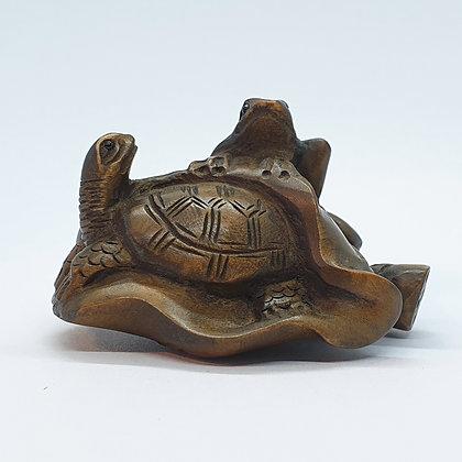 Boxwood netsuke -Turtle and Toad