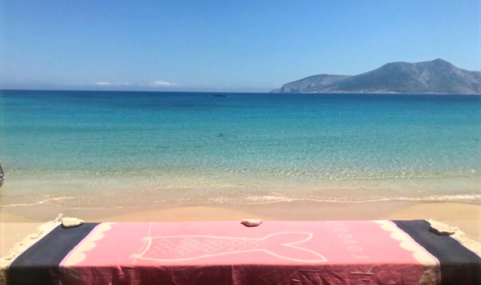 Παραλία Φοίνικα στα Κουφονήσια, mikrovouti πετσέτα παραλίας.