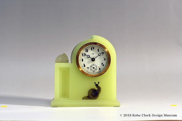 TOYO CLOCK ウランガラス兎と蝸