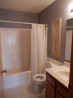 Creekside Cabin Bathroom