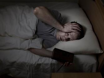 Почему беспокойство из-за денег не дает нам спать по ночам?