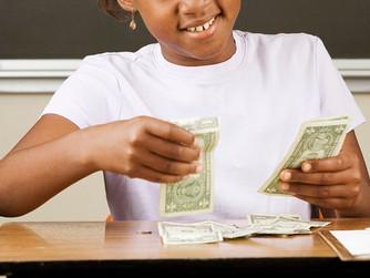 Упражнения в классе, которые научат четвероклассников управлять своими деньгами