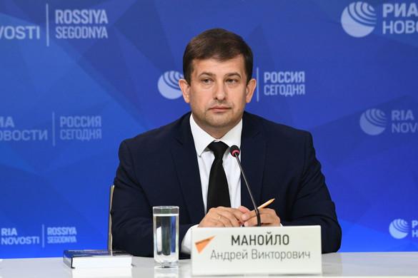 Гибридные войны с Западом идут за души будущих поколений России