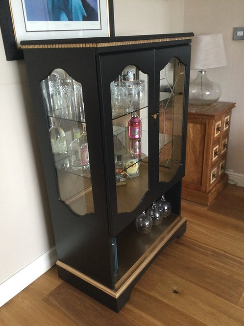 Gin/Drinks Cabinet