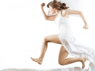 Por qué dormir poco no ayuda a bajar de peso
