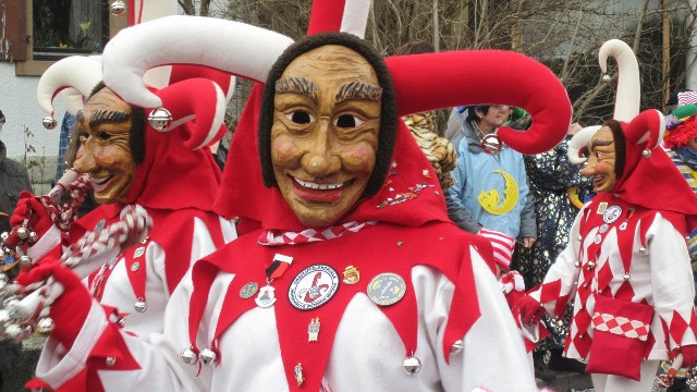 carnival-81626_1920_web.jpg