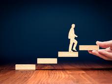 Nuevos liderazgos: de la visión a la contención