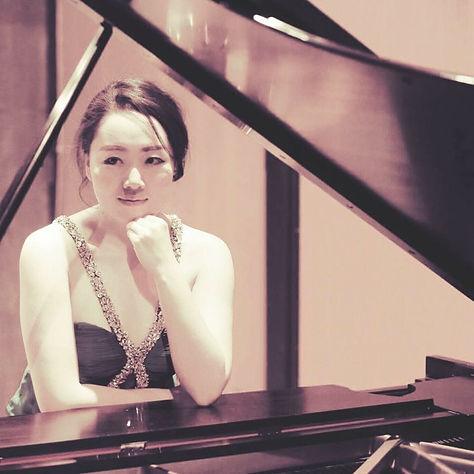 Dr. Stacy Li, Dr. Yinhui Li, Piano instructor, Classical Pianist