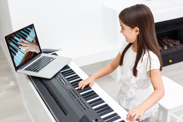 online-piano-lesson-1280x853_9_(for_we