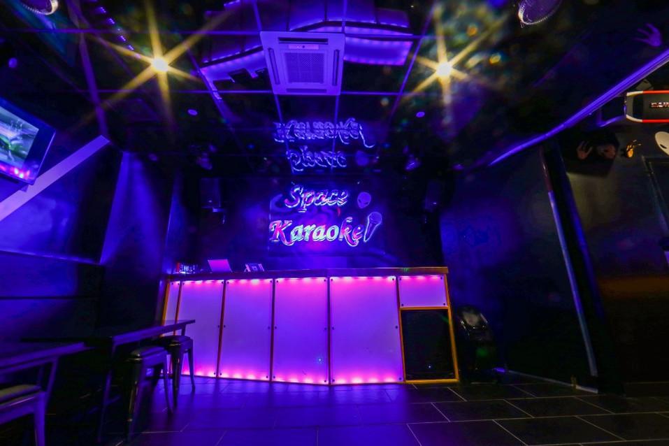 Space Karaoke_005.JPG