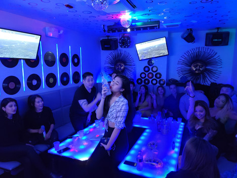 Space Karaoke_06.JPG