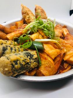 Korean Rice Cake W/ Seaweed Rolls