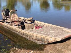 19/48 Venom Boat