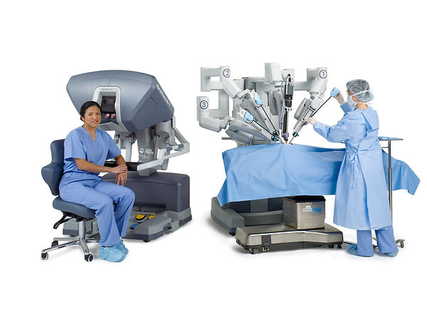 Img015_Si_Surgeon_Console_and_Patient_Ca