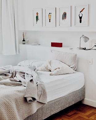 photography-of-bedroom-1034584.jpg