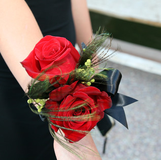 CARLY PROM CORSAGE