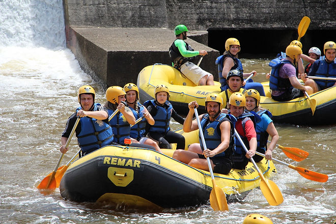 rafting-679716_1920.jpg