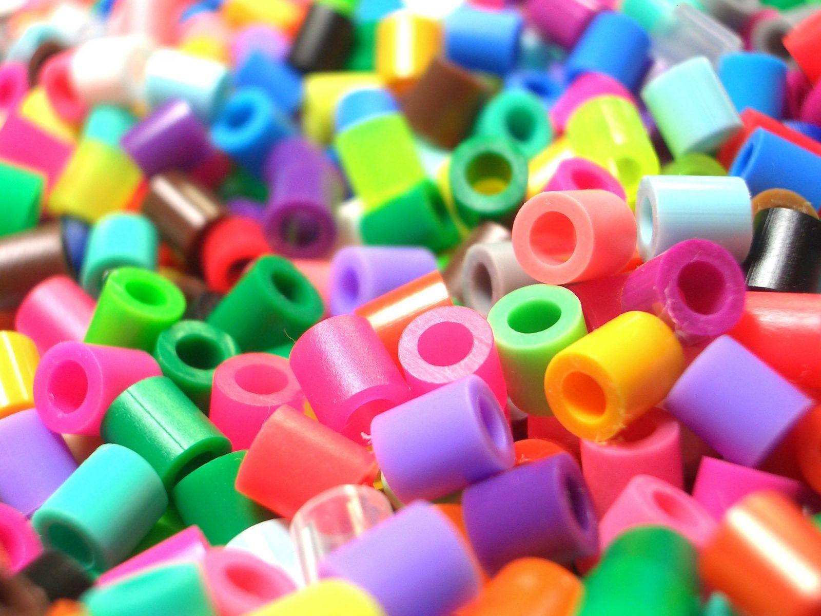 Plastic_beads1.jpg
