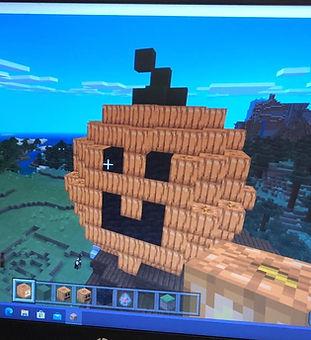 MinecraftPumpkin_edited.jpg