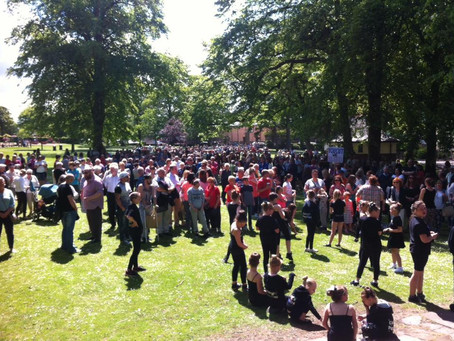 Hundreds protest to save hospital services