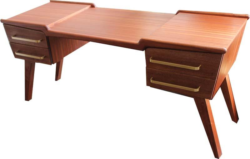 Schreibtisch in Mahagonie