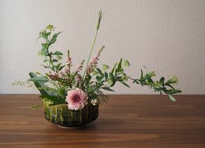 残りの花材でもう一品。54