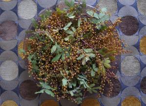 残りの花材でもう一品。