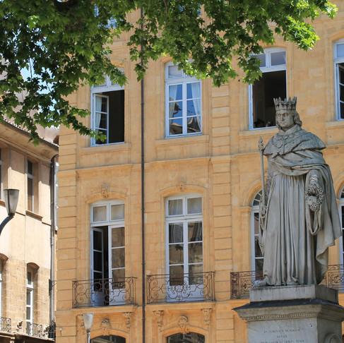 エクス・アン・プロヴァンス          Aix-en-Provence