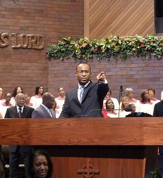 Pearce-Pastor.jpg