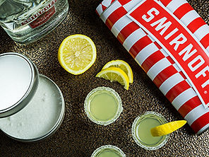 Teneke kutu içerisinde gelen votka ile hazırlanan kokteyller