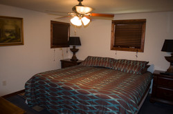 Buzzard king bedroom - Copy